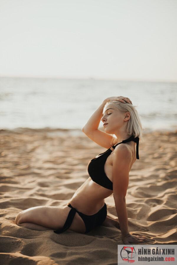 Gái xinh cực quyến rũ với bộ bikini tuyệt đẹp