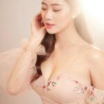 Hotgirl Huyền Trang đẹp thanh tao và sexy trong áo cưới