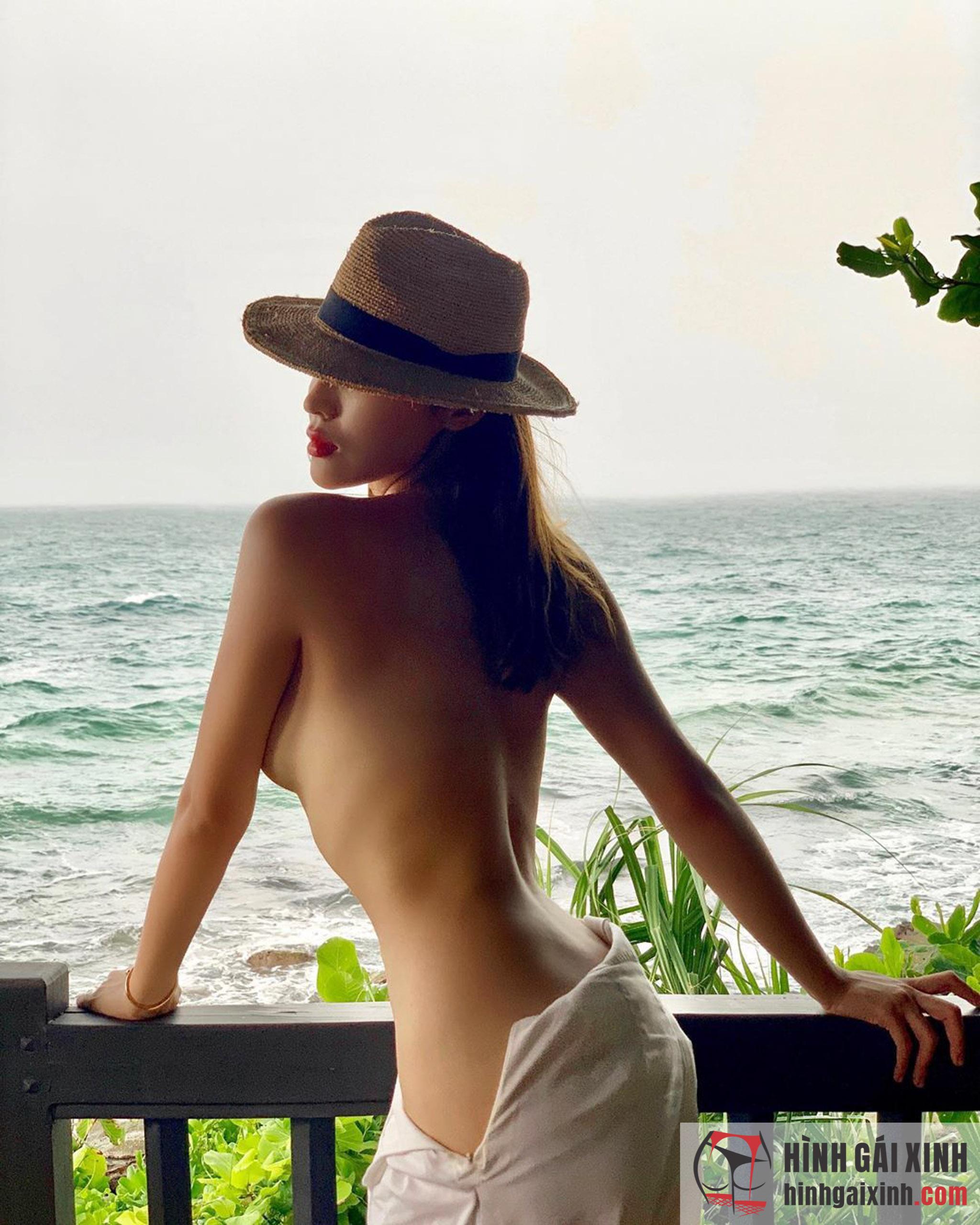 Hot girl Phương Anh 9X quyến rũ, sexy khoe vòng 1