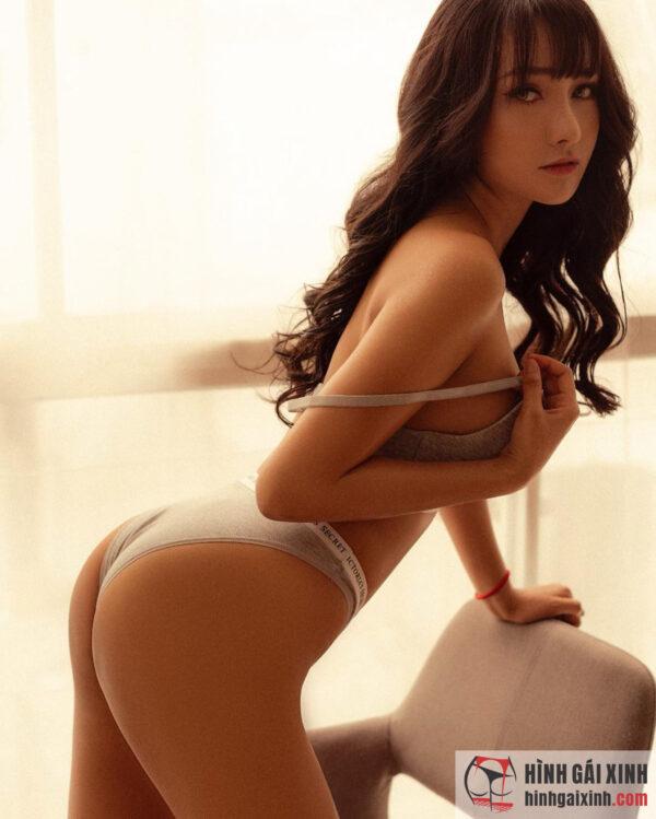 Hình ảnh gái đẹp sexy bốc lửa khoa trọn cơ thể của Nguyễn Phi Yến