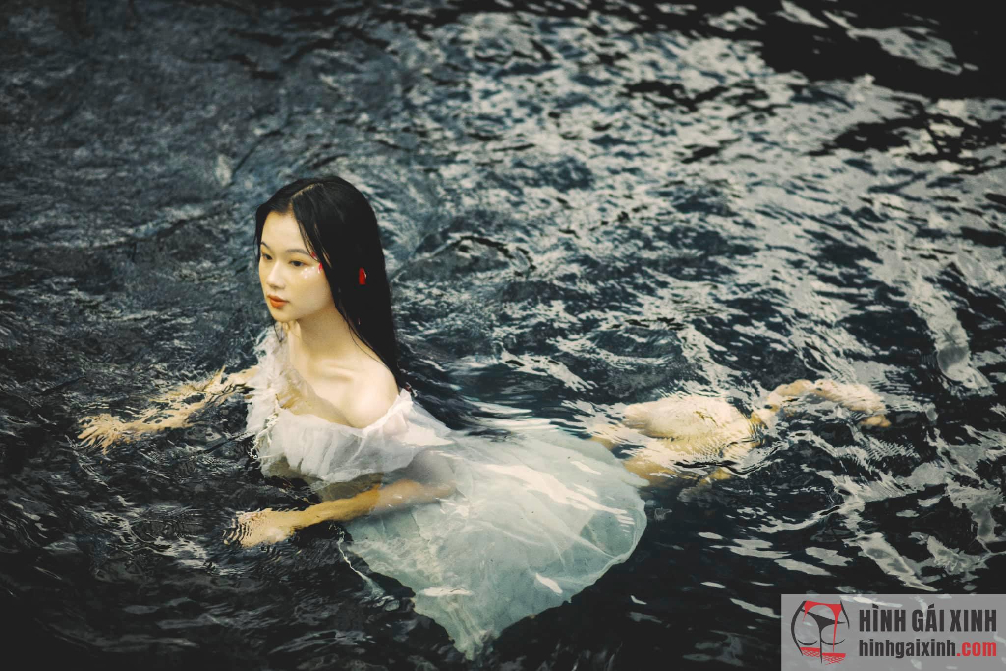 hot girl streamer Mai Linh Zuto vốn nổi tiếng nhờ thân hình nóng bỏng cùng với nét đẹp thơ ngây