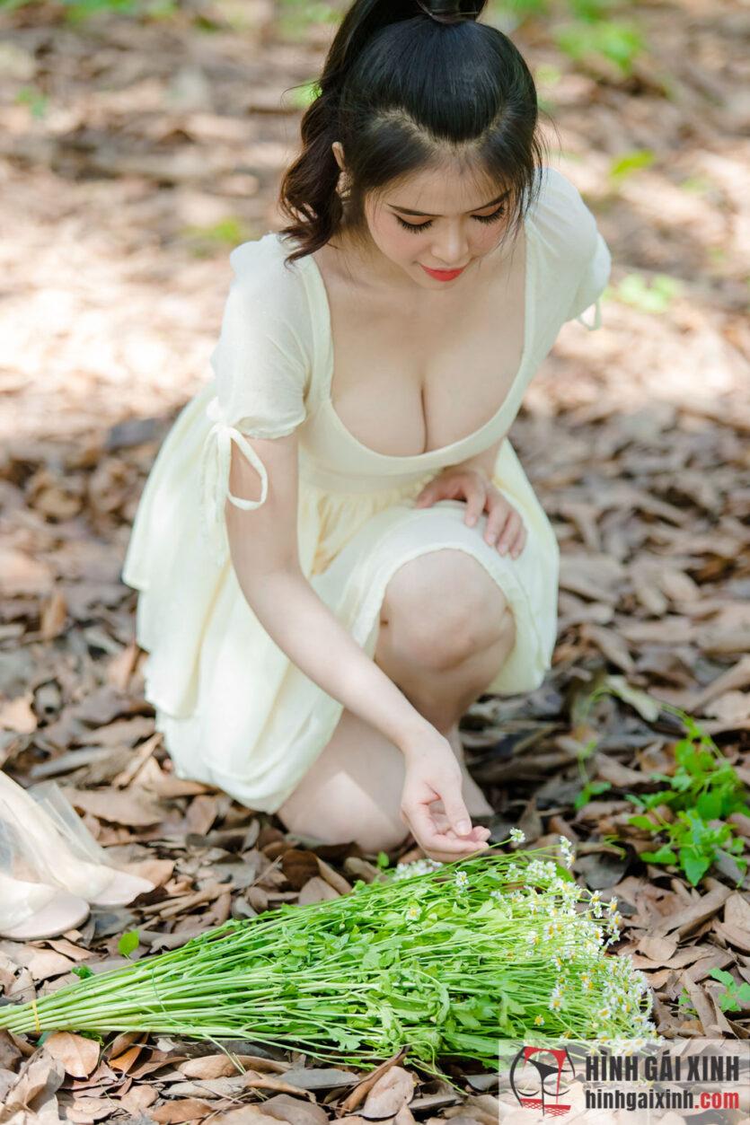 Ngạt thở trước vẻ đẹp của em gái xinh ngực khủng