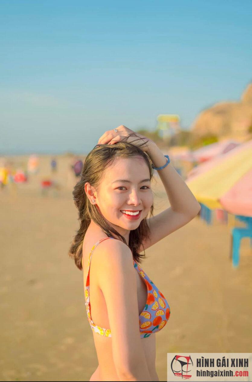 gái xinh diện bikini