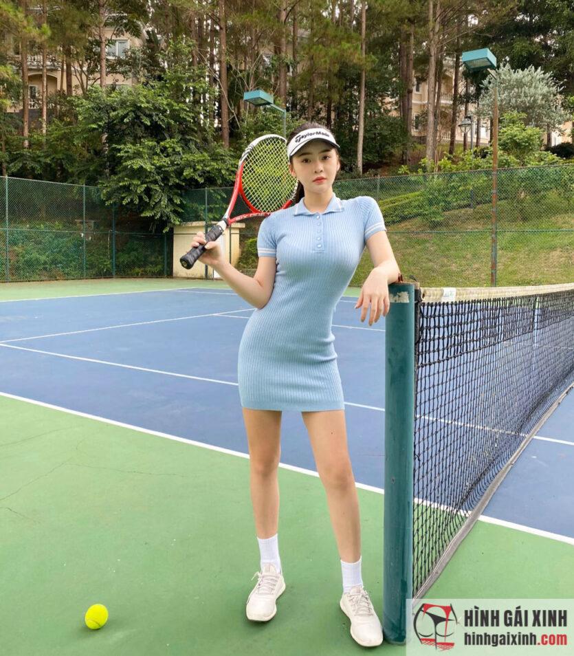 Gái đẹp Thái Thảo Nguyên sexy trên sân tennis