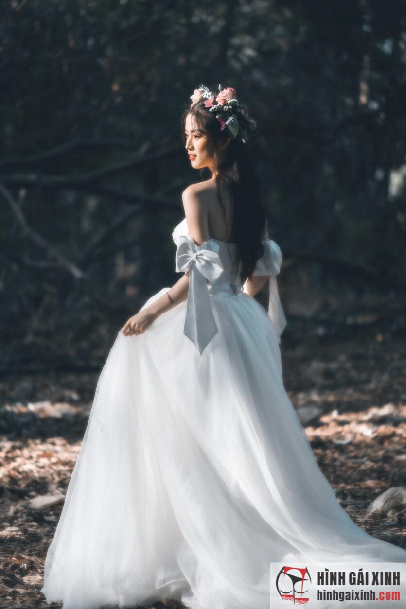 Bộ ảnh gái xinh hóa công chúa lạc trong rừng