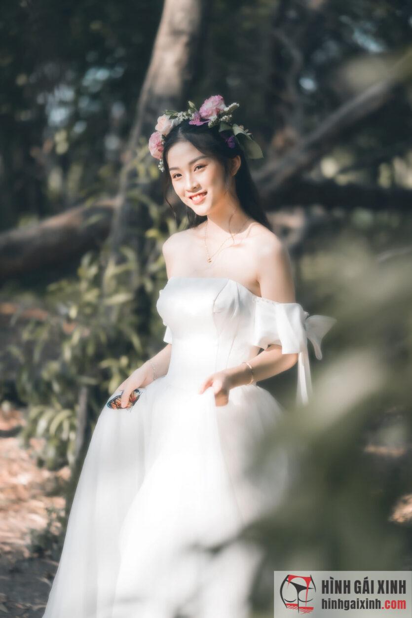 Bộ ảnh gái xinh hóa nàng công chúa lạc trong rừng