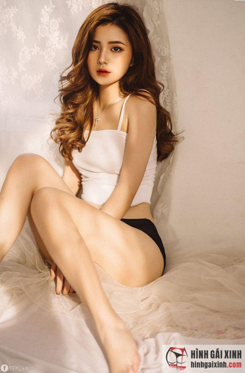Girl xinh Vân Anh đầy tâm trạng nhưng vẫn toát lên xinh đẹp, vóc dáng nuột nà