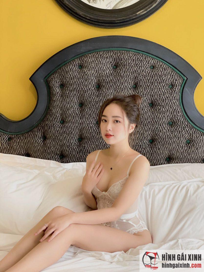 Hot girl Instagram Lê Phương Anh đăng ảnh gợi cảm khiến MXH xôn xao