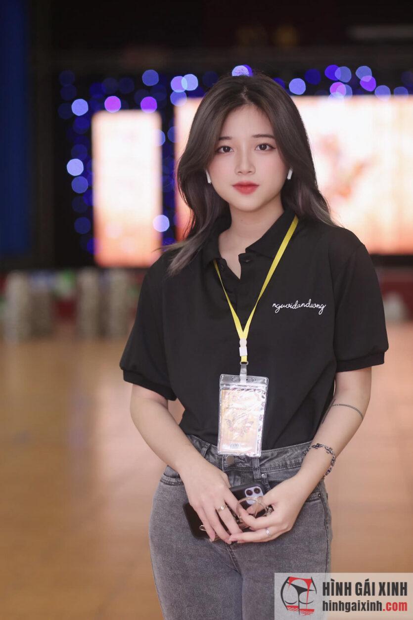Em sinh viên Khánh Ly kiểu con gái nhẹ nhàng gu của mọi nhà