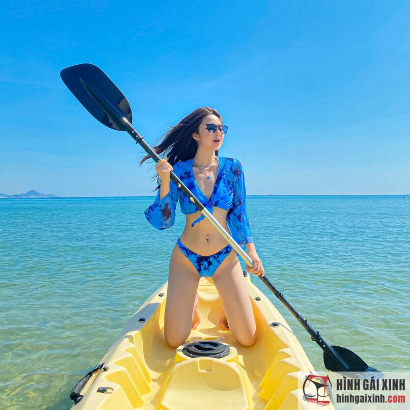 Nàng hot girl Nghi Văn thiêu đốt mùa hè bằng loạt ảnh bikini