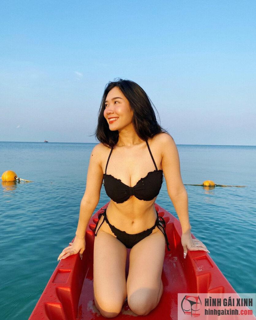 Vân Anh FAPtv xinh đẹp nóng bỏng trong loạt ảnh bikini mới nhất