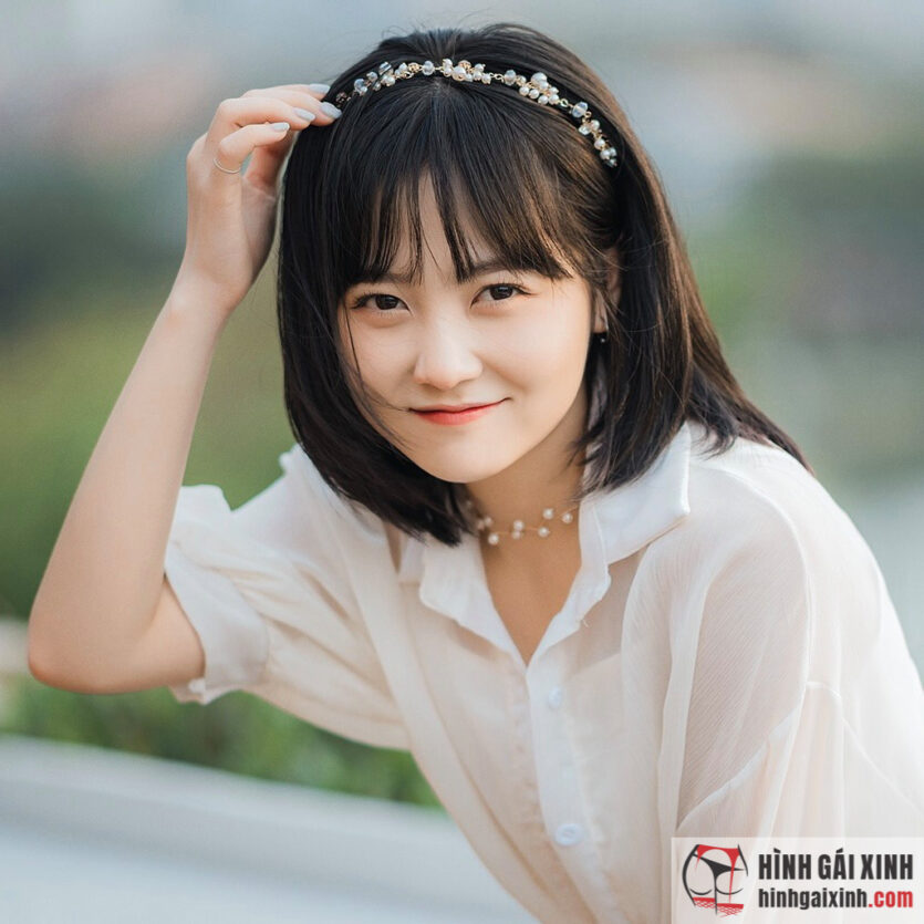 Cô nàng 'nấm lùn' xinh đẹp Đỗ Thị Hoài Linh ghi điểm bởi khuôn mặt bầu bĩnh, làn da trắng và đôi mắt to tròn