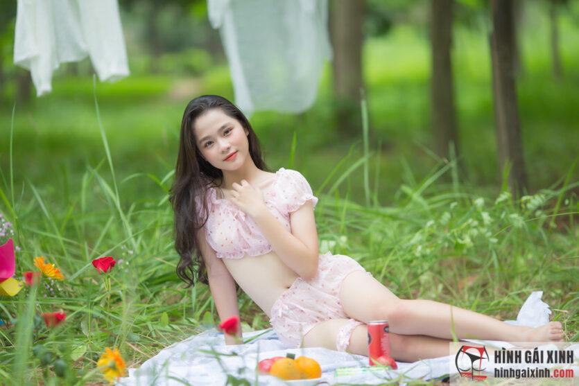Vẻ đẹp hút hồn của thiếu nữ 18 tuổi xinh đẹp