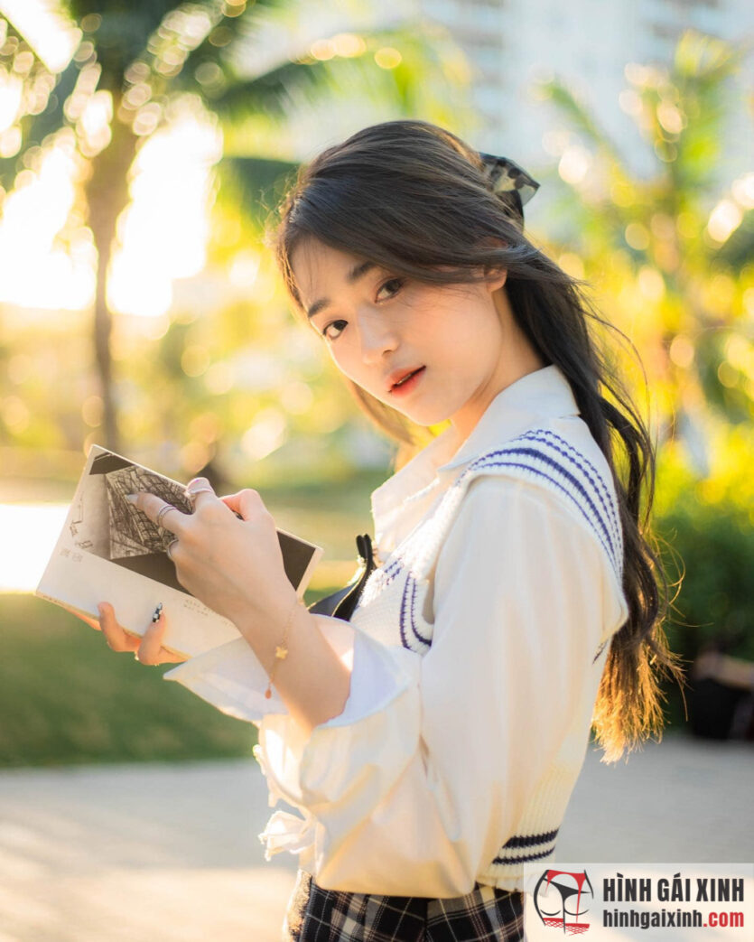 Gái xinh Mai Hà Hoàng Yến 2k2 sở hữu vẻ đẹp đáng yêu, trong trẻo