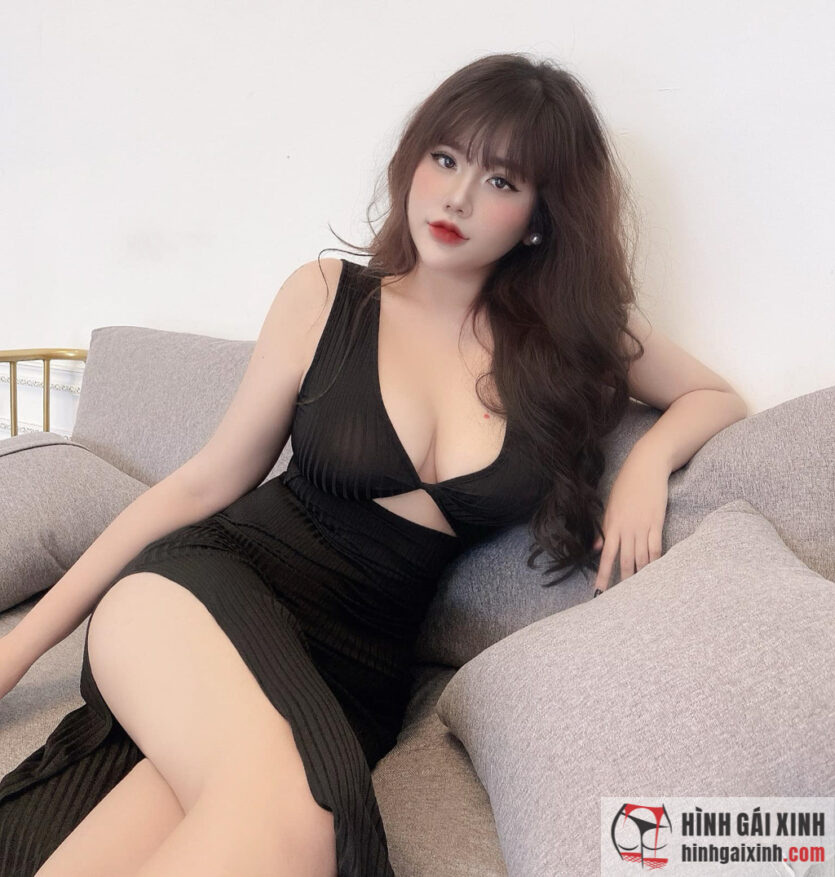 Hot Face Phương Linh Chi mặc đầm ôm body sexy tạo dáng chụp ảnh