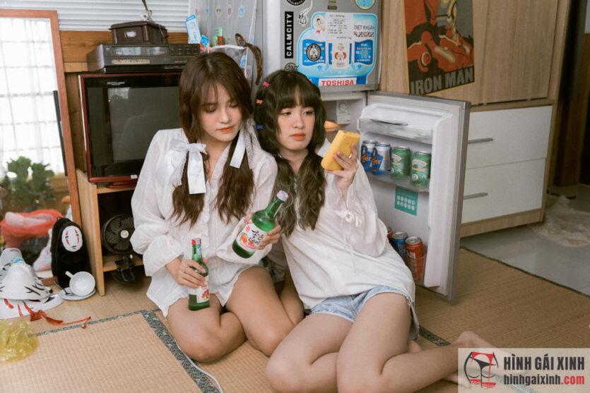 Chân dung hai em gái cute xinh xắn gây bão MXH
