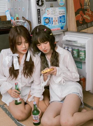 hai em gái cute