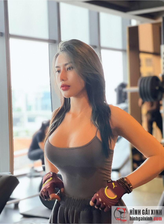 Trang Lê Gymer nóng bỏng với loạt ảnh sexy khoe vòng ba 97cm