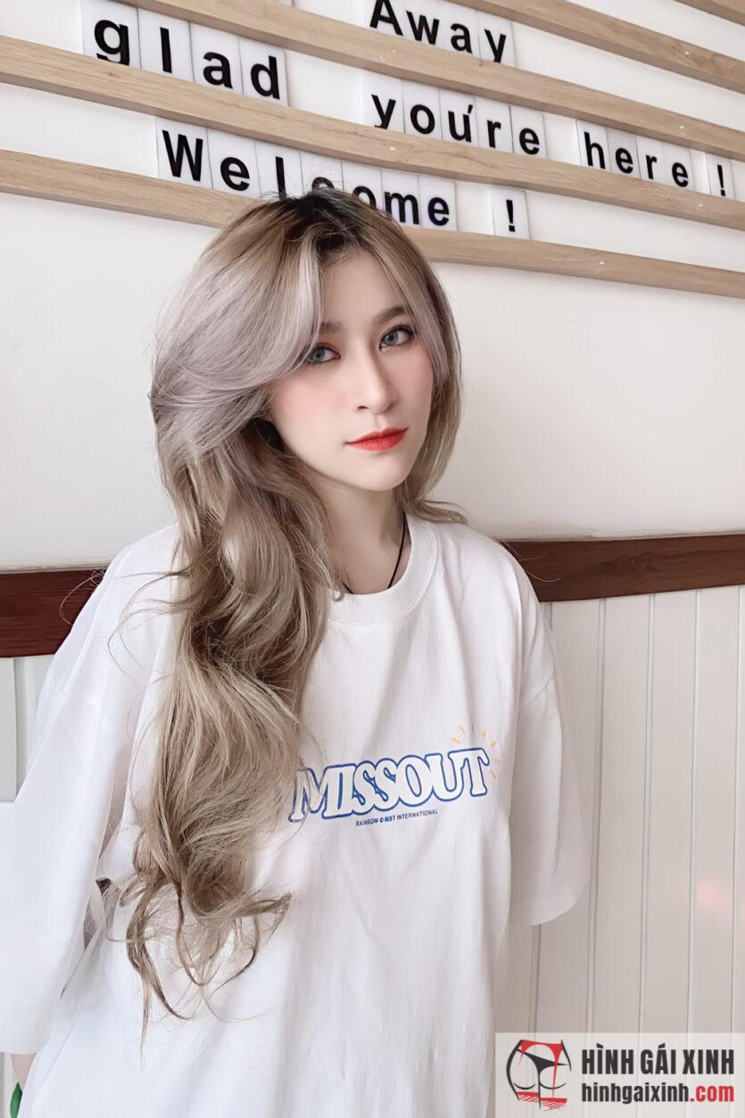 Nữ sinh Văn Lang Diệp Bảo Trân xinh đẹp trong tà áo dài