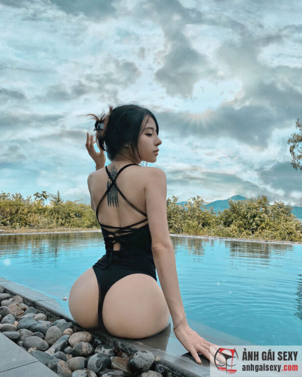 Hình ảnh Ngắm nhan sắc nóng bỏng 'vạn người mê' của Trần Bích Hạnh
