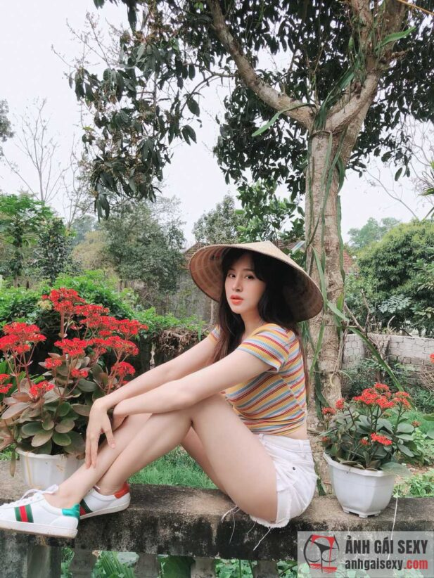 Hình ảnh Những hình ảnh mới nhất của hot girl Huyền Anh (Bà Tưng)